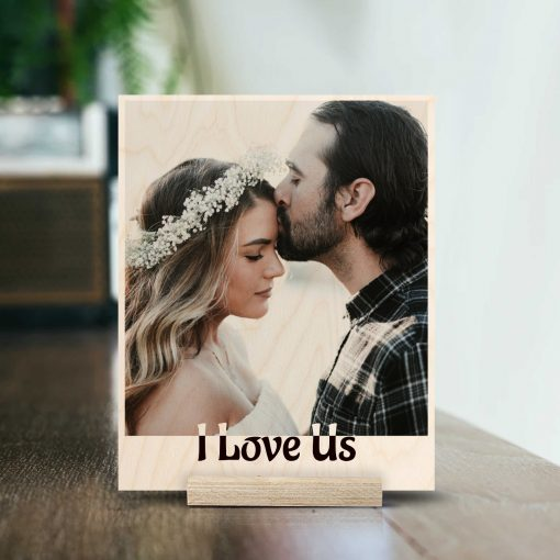 prints on wood couple